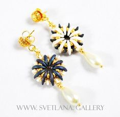 Reversible fashion jewelry with Crescent beads - Water Flower Earrings