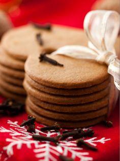 Biscotti speziati alla cannella, chiodi di garofano e noce moscata | Ho sempre fame
