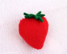 Sew Can Do: Vintage Inspired Crafts: Lil Strawberry Shortcake Hat Tutorial Strawberry Shortcake Halloween Costume, Hat Tutorial, Costume Ideas, Vintage Inspired, Diys, Halloween Costumes, Felt, Sewing, Crafts