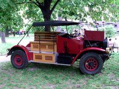 Classic truck Praga R1/II (1914) in Vienna, Austria