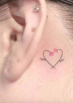 Minimalist details always give a classic and elegant touch, especially s … - Ear Piercings Army Tattoos, Mini Tattoos, Love Tattoos, Beautiful Tattoos, Body Art Tattoos, Mum And Daughter Tattoo, Tattoos For Daughters, Tiny Tattoos For Girls, Small Tattoos