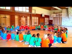 Students improvise basic movements to the steady beat of a multicultural song. Singing Games, Kindergarten Music, Music Beats, Music Activities, Elementary Music, Student, Dance, Songs, Videos