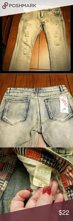 Men's distressed jeans size 36 Men's distressed fashionable jeans size 36 NWT Jeans