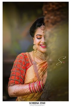 Shopzters is a South Indian wedding site Indian Photoshoot, Saree Photoshoot, Pre Wedding Photoshoot, Wedding Poses, Indian Wedding Couple Photography, Bridal Photography, Saree Poses, Bride Poses, Beautiful Girl Photo
