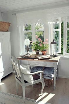Estilo country / H + D - Decor, Shabby Chic, Home, House Interior, Pallet Furniture Bedroom, Cottage Interiors, Interior Design, Rustic Dining Table, Rustic Bedroom Design