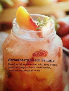 This looks SO yummy! Original pin-Strawberry Peach Sangria: White Wine, Vodka, Peach Schnapps, Fruit and Tropical Juices Non Alcoholic Drinks, Cocktail Drinks, Cocktail Recipes, Peach Sangria Recipes, Best Sangria Recipe, Tropical Sangria Recipe, Lemonade Cocktail, Wine Cocktails, Margarita Recipes