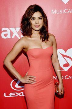 Priyanka Chopra At 2015 MusiCares Person Of The Year Gala Honoring Bob Dylan (2)