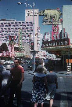 Vintage Las Vegas, Fremont at Downtown. Las Vegas City, Vegas Casino, Las Vegas Nevada, Atlantic City Casino, Cities, Fremont Street, Las Vegas Photos, Roadside Attractions, Sin City