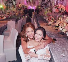 Missing that amazing day when two of my dearest friends who are like family tied the knot! 👰🏼💒 Big hug to my darling @iamkarelmarquez! I love you and manong @sean_farinas forever! ❤️ Thank you for making me one of your bridesmaids! 😘 Must have a part 2 celebration! Right girls & boys? Hahaha! 😜🙈 #finallyfariñas