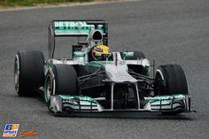 Lewis Hamilton, Formule 1-test op Circuit de Catalunya, 22 februari 2013, Formule 1