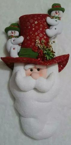 Felt Christmas Decorations, Beaded Christmas Ornaments, Handmade Christmas, Primitive Christmas, Christmas Snowman, Christmas Time, Christmas Projects, Holiday Crafts, Holiday Decor