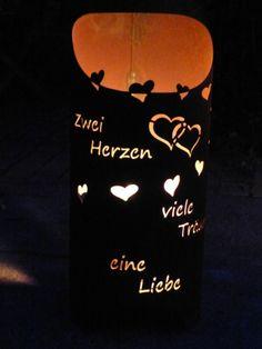 """Edelrost Artikel in Deutschland hergestellt/ Kein Billig Import  *Feuertonne/ runde Feuersäule mit Spruch/ """" Zwei Herzen...viele Träume...eine Liebe""""* Bei dieser handgearbeiteten Einzelanfertigung..."""