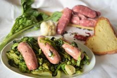 Cime di rapa e salsiccia stufate in padella Asparagus, Pizza, Vegetables, Food, Salta, Studs, Essen, Vegetable Recipes, Meals
