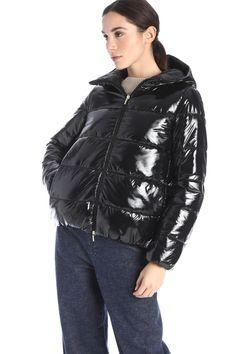 Winter Jackets, Woman, Products, Fashion, Winter Coats, Moda, Winter Vest Outfits, Fashion Styles, Women