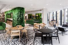 De Bijenkorf Design Restaurant was realized by i29 interior architects and is a high quality department store offering an extraordinary customer experience.
