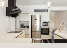 projects | mobel: Η πολυτέλεια που σου αξίζει Sink, Wood, Kitchen, Projects, Home Decor, Sink Tops, Log Projects, Vessel Sink, Cooking