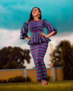 Latest African Fashion Dresses, African Dresses For Women, African Print Fashion, African Attire, African Print Dress Designs, Ankara Designs, African Design, Slit And Kaba Styles, Chitenge Outfits