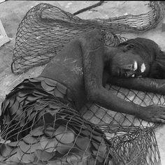 Ser daqui banido é mesmo que ser banido do mundo,/ E exílio do mundo é a morte. William Shakespeare - Romeo e Juliet   #fisherman #fishing  #wave #fluid #beach #design #analog #35mm #ship #boat #lomo #lomography #legends #surf #super8 #mermaid #sailor #capitan #illustration #ink #artwork #art #ocean #mermaid #sailor #draw
