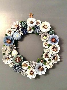 Pine cone decorations silver and gold wreath decorating pine cones for christmas martha stewart . Fall Crafts, Crafts To Make, Home Crafts, Arts And Crafts, Diy Crafts, Decoration Crafts, Nature Crafts, Paper Crafts, Pine Cone Art