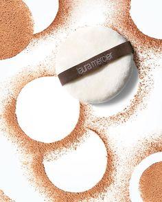 いいね!3,257件、コメント9件 ― Laura Mercier Cosmeticsさん(@lauramercier)のInstagramアカウント: 「Make it matte. Featured: Translucent Loose Setting Powder in Medium Deep」