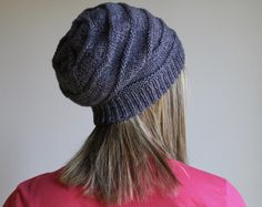 knitted slouchy beanie pattern free – Knitting Tips Knit Slouchy Hat Pattern, Beanie Knitting Patterns Free, Beanie Pattern Free, Headband Pattern, Free Knitting, Hat Patterns, Free Pattern, Knitting Tutorials, Stitch Patterns