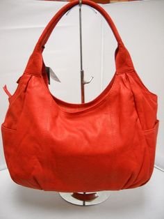 1 Gabee Red - Two handles. Hard Wear, How To Wear, How To Make Handbags, Pu Leather, Shoulder Bag, Zip, Clothes For Women, Stylish, Lady
