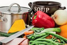 Add Nutrition To Your Diet With These Helpful Tips. Nutrition is full of many different types of foods, diets, supplements and Red Pepper Soup, Stuffed Pepper Soup, Stuffed Peppers, Weight Loss Meals, Caldos Low Carb, Healthy Soup Recipes, Protein Recipes, Detox Recipes, Vegetarian Meals