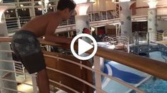 De este modo tan discutible se divierte este crucerista a bordo de un barco de cruceros