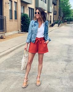 Casual Summer Outfits, Short Outfits, Spring Outfits, Cute Outfits, Denim Jacket Outfit Summer, Look Camisa Jeans, Outfit Trends, Tops For Leggings, Leggings Fashion