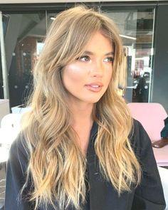 Bangs With Medium Hair, Long Bangs, Medium Hair Styles, Long Hair Styles, Blonde Hair Cuts Medium, Blonde Hair Looks, Brown Blonde Hair, Wavy Hair, Blonde Hair Fringe