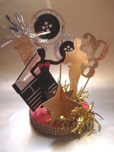 Oscars Movie Night Academy Awards Oscar Party Elegant Centerpiece Film Stars #oscars Hollywood Party, Hollywood Birthday Parties, Prom Themes, Movie Themes, Oscar Party, Kino Party, Cinema Party, Red Carpet Party, Movie Night Party