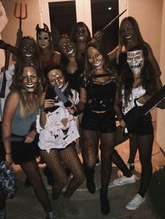 10 Cute and Funny Group Halloween Costumes for Women and Teens DIY Ideas 10 süße und lustige . Halloween Outfits, Funny Group Halloween Costumes, Cute Group Halloween Costumes, Last Minute Halloween Costumes, Halloween Ideas, Women Halloween, Funny Halloween, Halloween Nails, Girl Group Costumes