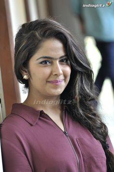 Desi Girl Image, Girls Image, Beautiful Saree, Beautiful Indian Actress, Beauty Full Girl, Beauty Women, Cute Girl Hd Wallpaper, Beautiful Girl Facebook, Bollywood Girls