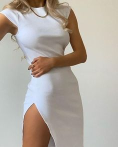 Mode Ootd, Pastel Outfit, Elegantes Outfit, White Midi Dress, Midi Dresses, Midi Dress Outfit, Teen Dresses, Cute White Dress, Fitted Dresses