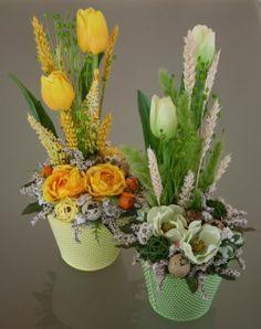 Easter Flower Arrangements, Silk Floral Arrangements, Easter Flowers, Floral Centerpieces, Diy Flowers, Hobbies And Crafts, Diy And Crafts, Easter Table Decorations, Spring Decorations