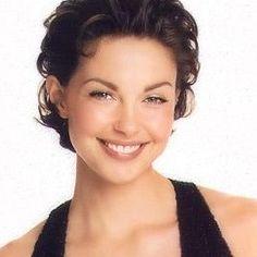 If she is in a movie, I watch it. Big fan of Ashley Judd.