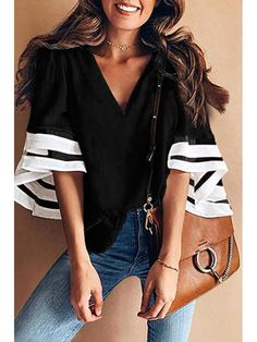 Shopping Casual Contrast V-Neck Horn Short-Sleeved Loose Shirt Top online with high-quality and best prices Shirts & Blouses at Luvyle. Loose Shirts, T Shirts, T Shirt Noir, Shirt Bluse, Casual Jumpsuit, Costume, Blouse Styles, Printed Blouse, Pulls