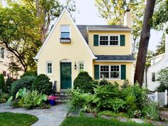 Best exterior paint colors for house green curb appeal shutters Ideas Yellow House Exterior, Exterior Paint Colors For House, Paint Colors For Home, Paint Colours, Green Front Doors, Front Door Colors, Exterior Color Palette, Exterior Colors, Interior Color Schemes