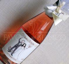 wedding favors. bomboniere di matrimonio - bottiglia di vino con etichetta personalizzata