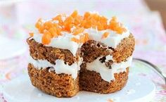 Dessert Hacks: Healthy Desserts that Taste Like Carrot Cake! Five-Minute Carrot Dessert Single Serve Desserts, Single Serving Recipes, Köstliche Desserts, Delicious Desserts, Healthy Desserts, Easter Desserts, Healthy Recipes, Healthy Meals, Light Desserts