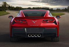 Sie ist der Urtyp des amerikanischen Kraftmeiers und einer der meistverkauften Sportwagen der Welt. Kein Wunder, dass ganz Detroit den Atem anhält, wenn Chevrolet eine Corvette präsentiert. Genau nach 60 Jahren durfte sich nun mit der Corvette C7 die neue Generation auf der Motorshow zeigen.
