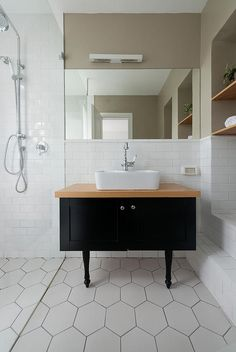 ancien pupitre d 39 colier pour lavabo houzz via nat et nature bad pinterest badezimmer. Black Bedroom Furniture Sets. Home Design Ideas
