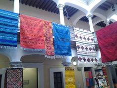 Tapetes de lana hechos con telar de pedal en Oaxaca, Oaxaca