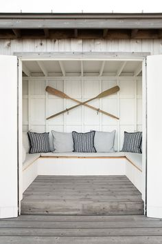 North Fork Waterfront by Chango & Co. Architectural advisement, interior design & custom furniture design by Chango & Co. Photography by Sarah Elliott. Beach Hut Interior, Beach House Decor, Oar Decor, Beach Cabana, Beach Huts, Beach Shack, Lakeside Cottage, Morris, Ivy House