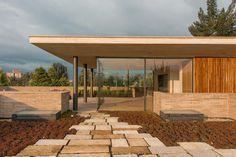 Tres elementos: ladrillo, madera y concreto en arquitectura bogotana