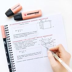 3 simple study tips 🌱 School Organization Notes, Study Organization, Class Notes, School Notes, Planning School, Studyblr, Neat Handwriting, College Notes, Bullet Journal Notes
