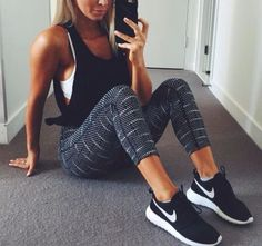 Black and white workout outfit (workoutfit?) :)
