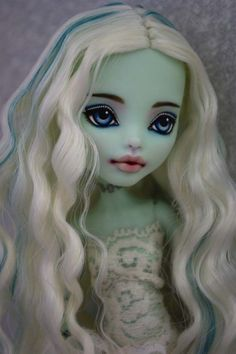 OOAK Monster High Frankie Stein custom Repaint by Hyangie