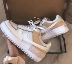Dr Shoes, Cute Nike Shoes, Swag Shoes, Cute Nikes, Me Too Shoes, Nike Summer Shoes, Beige Nike Shoes, Nike Custom Shoes, Best Summer Shoes