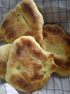 Hver dags Vegetarmad.                                                Grøntsagsmad, Brød og Kager: Italienske Pande- bål brød.